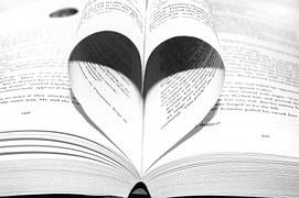 Votre écrivain public vous accompagne dans l'écriture de votre biographie ou récit de vie.
