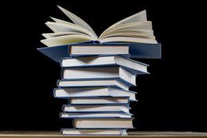 EML-Ecriture a contribué à la rédaction de plusieurs livres ayant fait l'objet d'une édition ou autoédition.